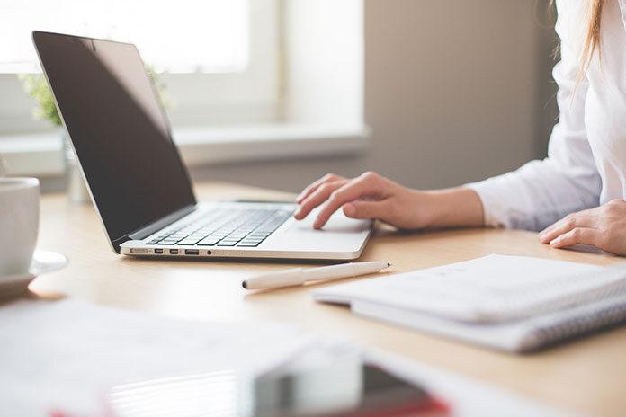 Czy warto kupić poleasingowy laptop? Wady i zalety takiego rozwiązania