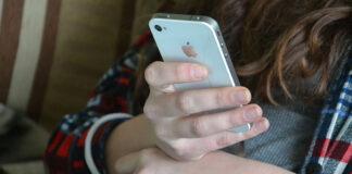 etui iPhone 12